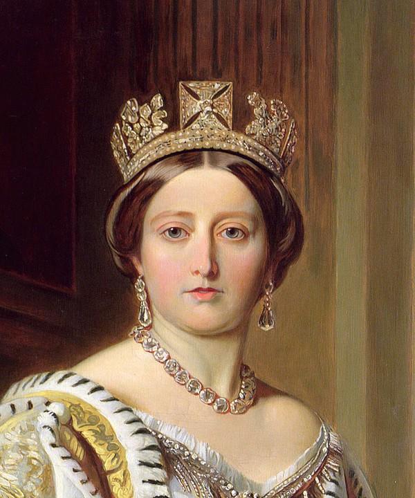 ... hay Nữ hoàng Anh Victoria cũng đều ưa chuộng một làn da trắng.