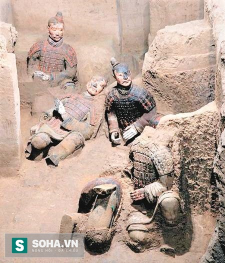 Nhiều tượng màu được phát hiện trong cuộc khai quật đường hâm binh mã 1 lần thứ ba. (Ảnh: nguồn Sohu).