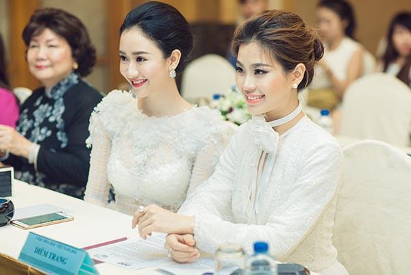 Dù sức khỏe không tốt nhưng Diễm Trang vẫn đi sự kiện khá đúng giờ và gây chú ý bởi vẻ ngoài xinh đẹp, tính cách thân thiện.