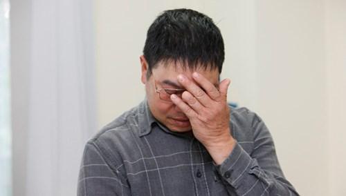 Cựu binh Gạc Ma Nguyễn Văn Thống bật khóc trong buổi giao lưu.