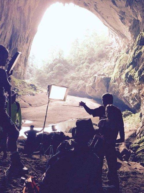 Tuy không đến Sơn Đoòng nhưng đoàn làm phim King Kong 2 vẫn có những hang động rất phù hợp với cảnh quay.