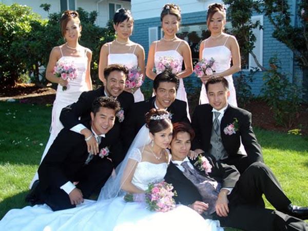 Những hỉnh ảnh hiếm hoi trong đám cưới của Mạnh Quỳnh và bà xã năm 2004.