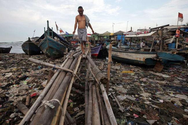 Loạt ảnh chấn động cho thấy đại dương đang trở thành hố rác khổng lồ của nhân loại - Ảnh 6.