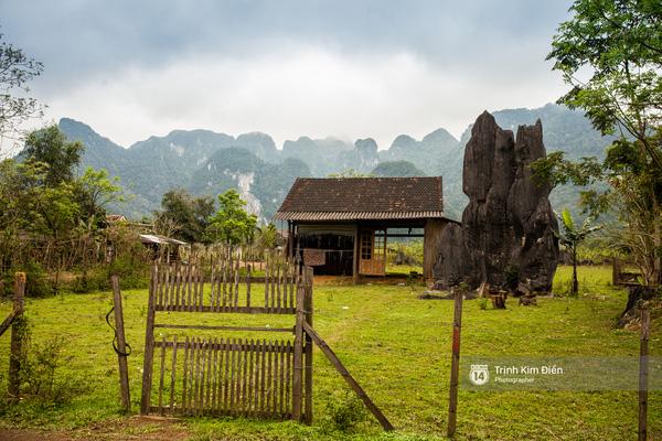 Những phiến đá mọc xen lẫn nhà ở, cảnh vật làng quê... càng khiến nơi này sở hữu một vẻ đẹp thật đặc biệt.