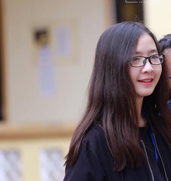 Cô bạn baby này là Nguyễn Hiền Trang - lớp 10 chuyên Nga.