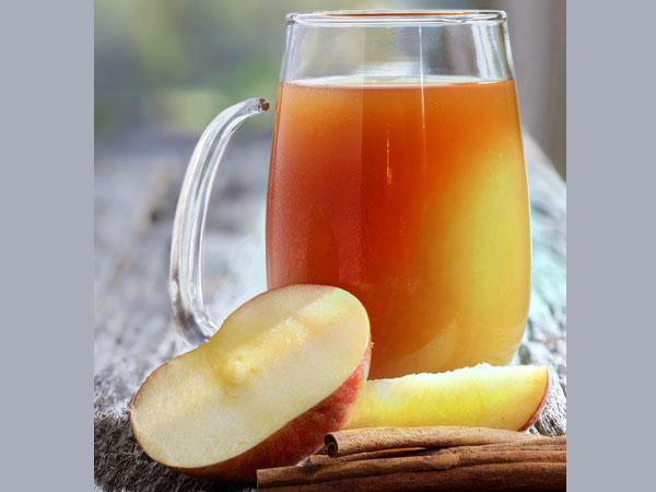 Táo: Táo có nhiều chất xơ, giúp thúc đẩy quá trình tiêu hóa. Chúng cũng chứa pectin, một chất có thể giúp bạn loại bỏ các độc tố ra khỏi ruột và củng cố thêm lớp niêm mạc đường ruột của bạn