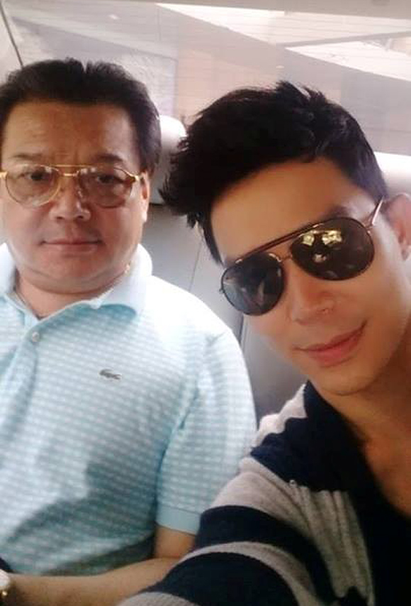 Trong khi đó, bố của Nathan Lee là đại sứ Trương Triều Dương.