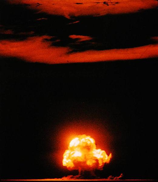 Bức ảnh màu chụp lại vụ nổ Trinity