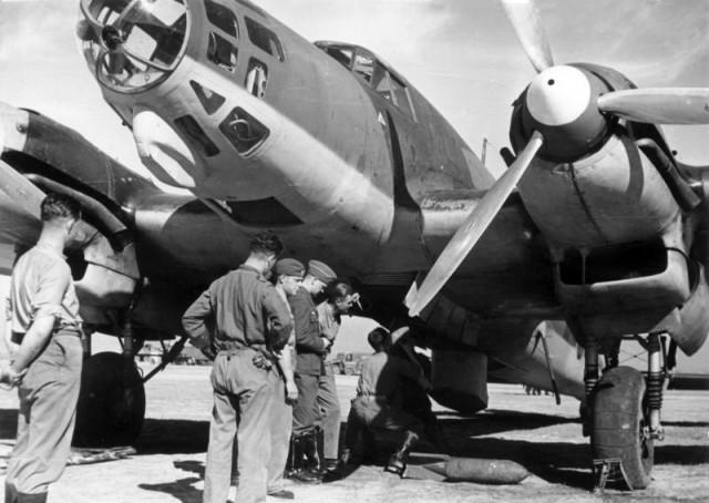 Máy bay He-111E của Condor Legion