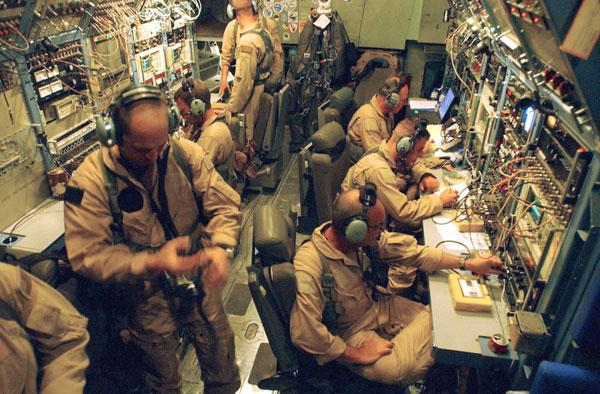 EC-130J là phiên bản chuyên dụng cho nhiệm vụ thiết lập trung tâm thông tin di động hỗ trợ các hoạt động quân sự và dân sự. Phiên bản này chuyên thực hiện nhiệm vụ phát sóng liên lạc radio để truyền tải các thông điệp cảnh báo trong vùng chiến sự hoặc sắp xảy ra thiên tai.