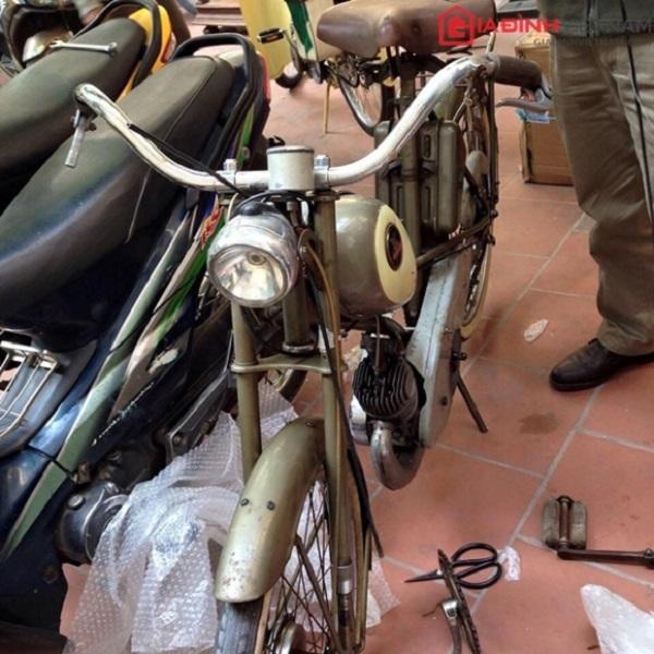 Chiếc Mobylette cổ 220 triệu đồng. Ảnh: Gia đình Việt Nam