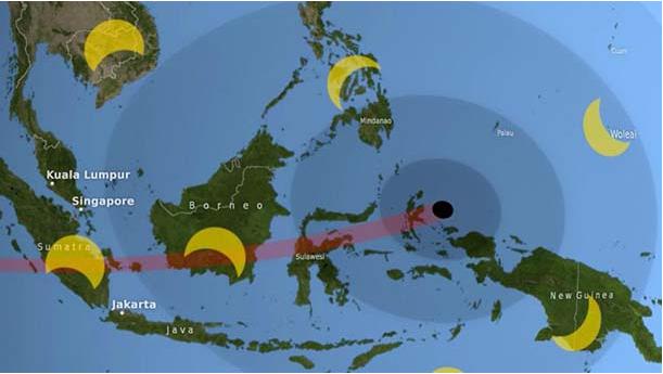 Bức ảnh minh họa dải toàn phần (path of totality) màu đỏ, vùng tối (umbra) là vòng tròn màu đen, vùng nửa tối (penumbra) là các vòng tròn đồng tâm màu tối.