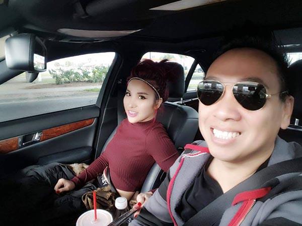 Cận cảnh hình ảnh DJ Thúy Khanh đi chơi chung với người đàn ông công chúng chưa rõ mối quan hệ.