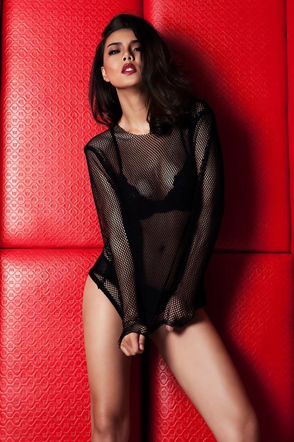 Luôn xuất hiện với hình ảnh gợi cảm, quyến rũ, Lại Thanh Hương còn được đánh giá có sự chuyên nghiệp, cá tính trong cách tạo dựng phong cách của bản thân.