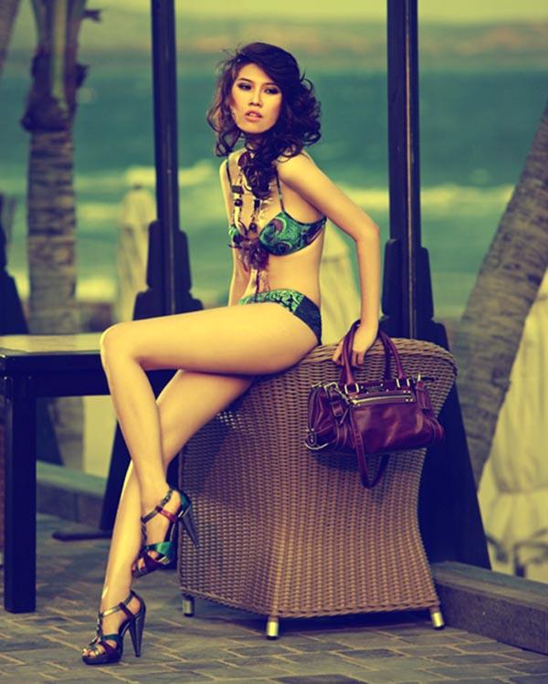 Có nhiều cơ hội để phát triển nghề người mẫu, song Thu Hằng không đẩy mạnh tên tuổi bằng nghề catwalk tập trung nhiều thời gian cho việc học tập và kinh doanh.