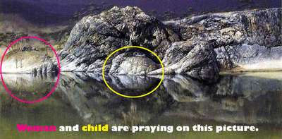 Một phụ nữ và một đứa trẻ đang cầu nguyện