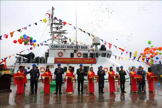 Hai tàu TT400 chiếc số 6 và số 7 (CSB 4036 và CSB 4037) vừa được Công ty đóng tàu Hồng Hà bàn giao cho LL CSB ngày 22/01/2016.