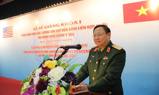 Thiếu tướng Phan Bá Dân phát biểu tại buổi lễ.