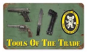 Phù hiệu và trang bị của lực lượng Chuột cống đường hầm