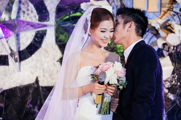 Hiện tại, Diễm Trang đang có cuộc sống hôn nhân khá êm ấm khi được ông xã quan tâm, tạo mọi điều kiện để cô theo đuổi đam mê của bản thân.