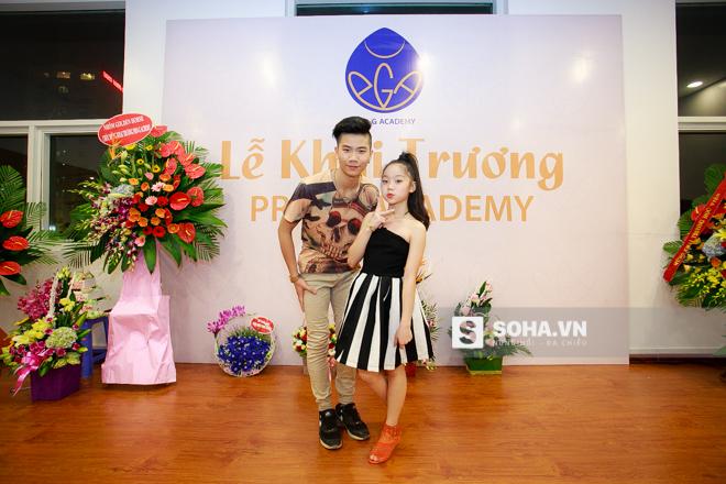 Tối 15/4/2016, cặp đôi Đăng Quân, Bảo Ngọc - quán quân Vietnams Got Talent mùa đầu tiên xuất hiện tại sự kiện khai trương Học viện nghệ thuật của vợ chồng biên đạo Quỳnh Trang, Viết Thành tại Hà Nội.