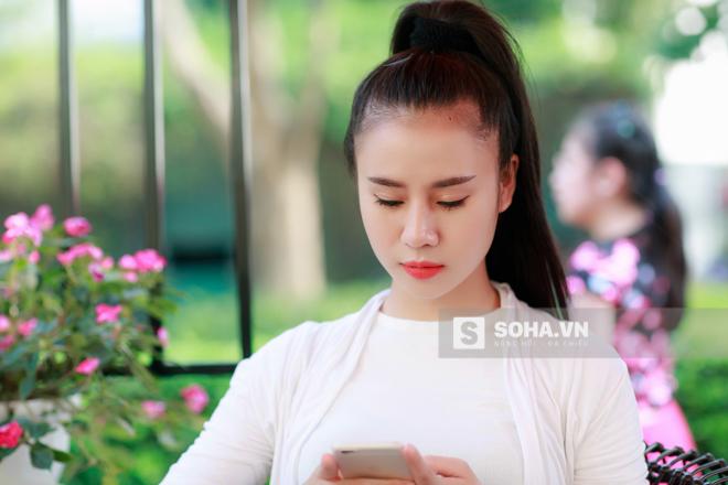 Các buổi chiều là thời gian khá rảnh rỗi nên Thùy Vân thường hẹn bạn bè đi cà phê hoặc đi xem phim, mua sắm...