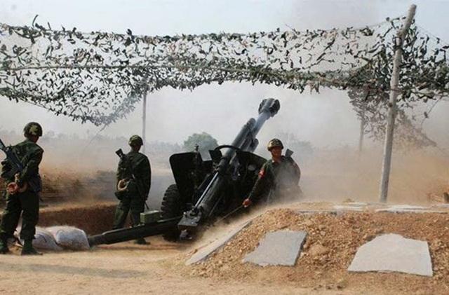 Lựu pháo Soltam M-71 L39 cỡ 155 mm do Israel sản xuất, loại pháo này bắn những viên đạn nặng 43,7 kg đi xa 23,5 km, nó còn được lắp thêm động cơ điện phụ trợ cho phép di chuyển linh hoạt quanh trận địa.