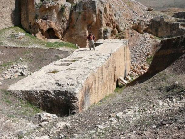 Tảng đá cự thạch ở Baalbek, Libăng.