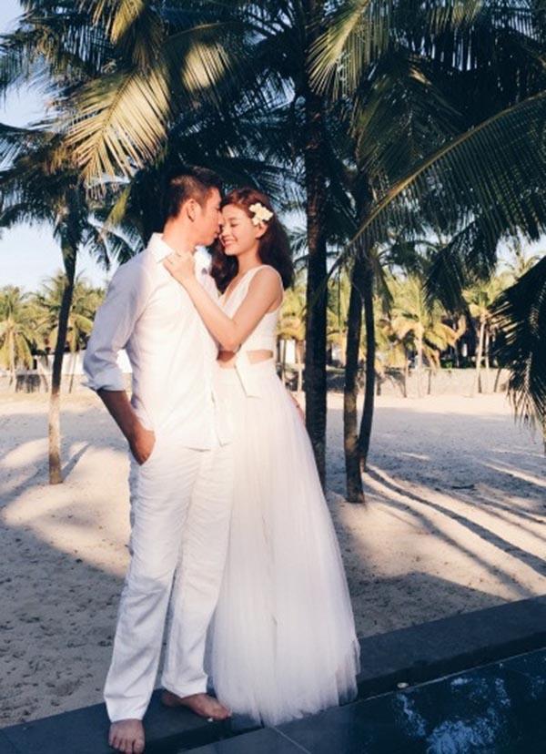 Tuy nhiên, đây không phải là đám cưới vội vàng vì Diễm Trang đã có 2 năm tìm hiểu, gắn bó và yêu thương người đàn ông của cuộc đời mình.