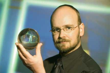 Chuyên gia lĩnh vực Tương lai học, tiến sĩ Ian Pearson.