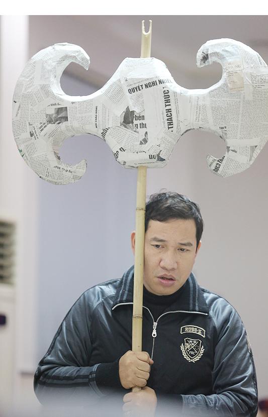 Quang Thắng phờ phạc sau những ngày tập luyện xuyên đêm.