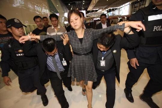 Nữ du khách Trung Quốc nuốt viên kim cương trị giá 6 tỷ đồng ở Thái Lan đã bị bắt.