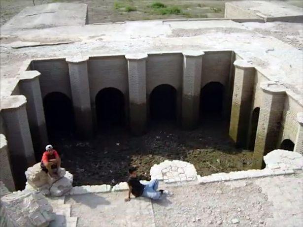 Một phần dấu tích đền thờ cổ còn lại.