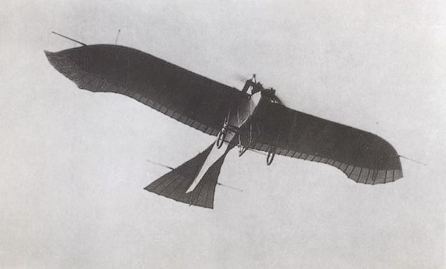 Máy bay cánh đơn Etrich Taube