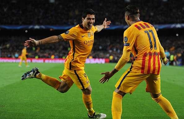 Suarez và Neymar ăn mừng trong trận thắng ngược dòng đầy kịch tính trên sân Nou Camp.