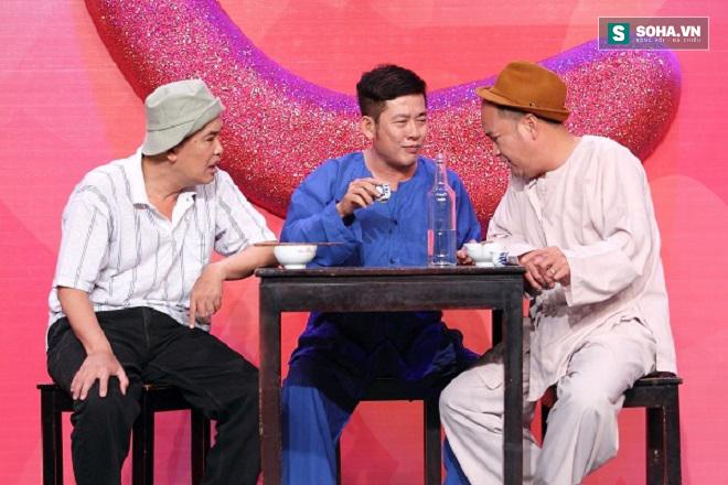 Tấn Beo trên sân khấu hài với Hoàng Sơn, Hữu Nghĩa.
