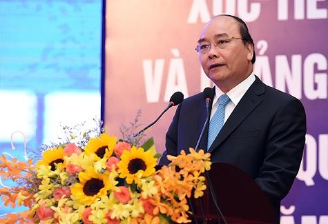 Thủ tướng Nguyễn Xuân Phúc phát biểu tại Hội nghị Xúc tiến đầu tư và Quảng bá du lịch tỉnh Quảng Trị ngày 17/4/2016. Ảnh: Chinhphu.vn.