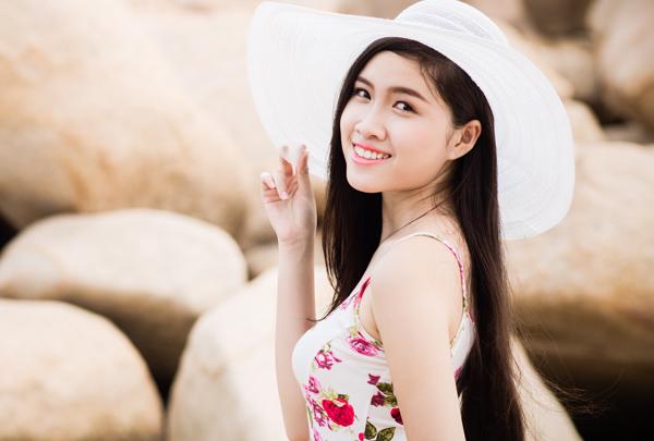 Sau này, cô còn có thời gian rèn luyện và tốt nghiệp hệ trung cấp đàn tranh trường Cao đẳng Văn hóa thể thao và du lịch Khánh Hòa.