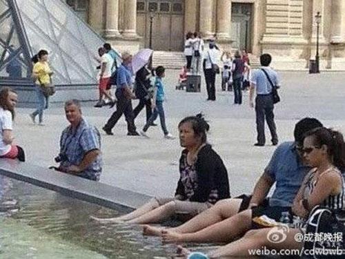 Người Trung Quốc đã đem văn hóa ngâm chân đi khắp thế giới.