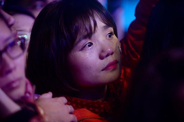 Rất nhiều giọt nước mắt đã rơi trong liveshow của Trần Lập và những người bạn. Ảnh Giang Huy.