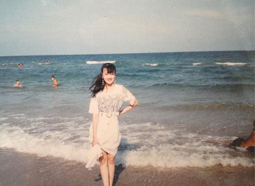 16 tuổi, Vân Dung từng tham dự cuộc thi Hoa hậu báo Tiền Phong để... ủng hộ chị gái.