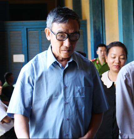 Bị cáo Nguyễn Văn Đồng tại phiên tòa ngày 24/2/2016 (Ảnh: Người lao động)
