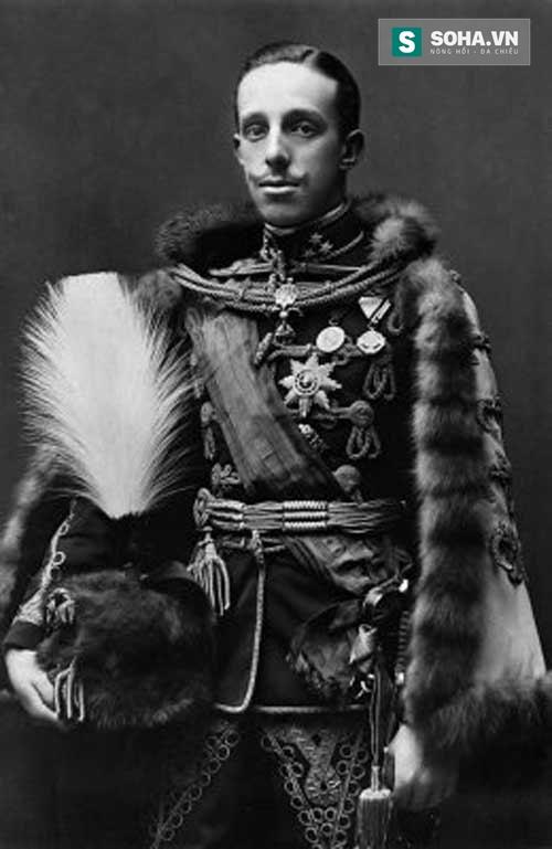 Vua Alfonso XIII (1886-1931).