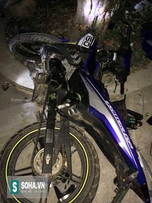 Phần đầu chiếc xe Exciter 150cc bị hư hỏng nặng.