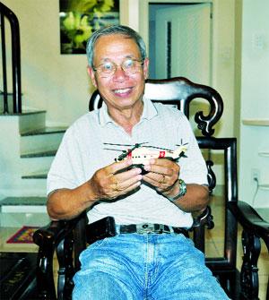 Nguyên TGĐ Tổng Công ty bay dịch vụ Việt Nam, cựu phi công, Đại tá Nguyễn Xuân Trường.