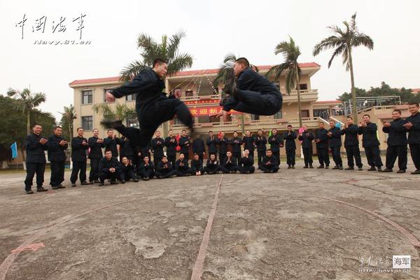 Biểu diễn võ thuật đối kháng môn phái Thiếu Lâm ra mắt đơn vị mới