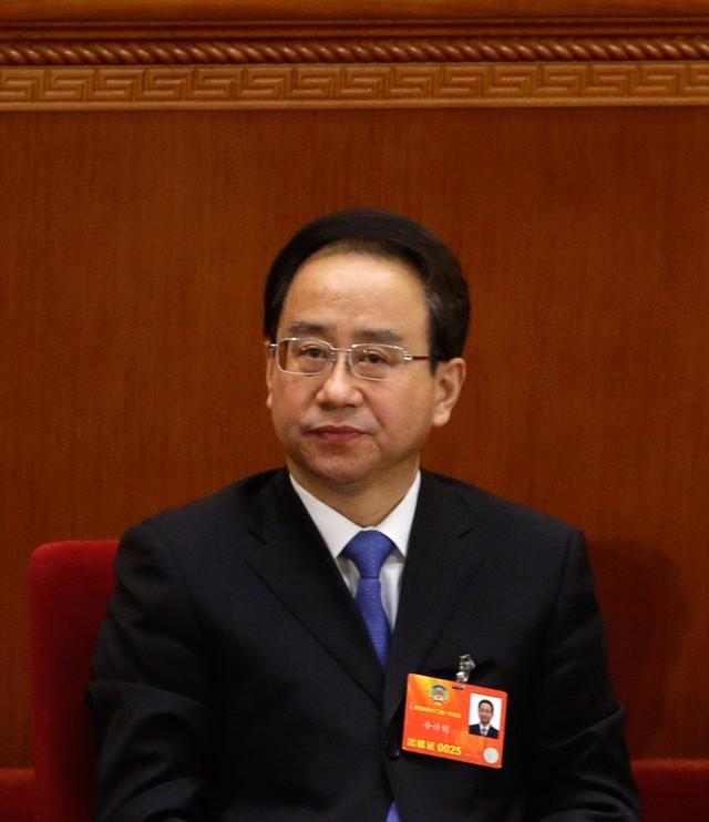 """Báo chí Trung Quốc nói, Lệnh Kế Hoạch đã dùng hơn 10 năm để gây dựng """"đế chế tiền tài"""" của gia tộc họ Lệnh."""