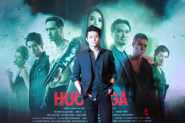 Harry Lu vào vai Tuấn, một trong những đàn em của Hương Ga.