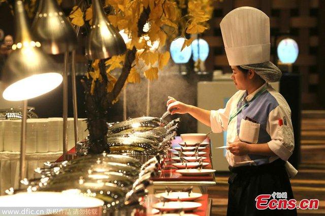 Các món ăn được lựa chọn đưa vào thực đơn còn phải phù hợp với lịch trình làm việc dày đặc của các quan chức cấp cao tham dự APEC.