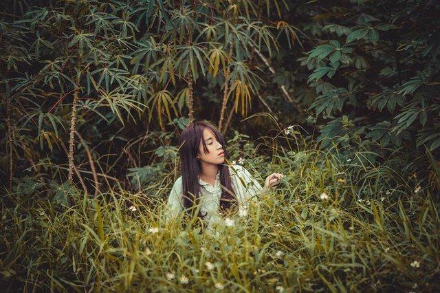 Tuy đi theo nghề mẫu ảnh chưa được lâu nhưng có thể thấy, cách tạo hình của cô gái thể hiện được chiều sâu tâm hồn.